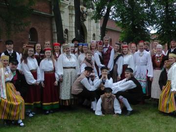 1000 eestlast Peterburis, 35 leigarit-leesikat nende seas