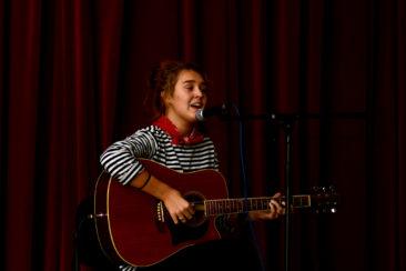 Laulab leesikas Karolin Saar