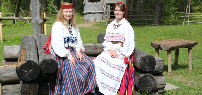 Noored leigarid tegid endale ise rõivad selga